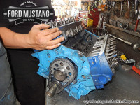 Attaching heads on Ford Mustang 289